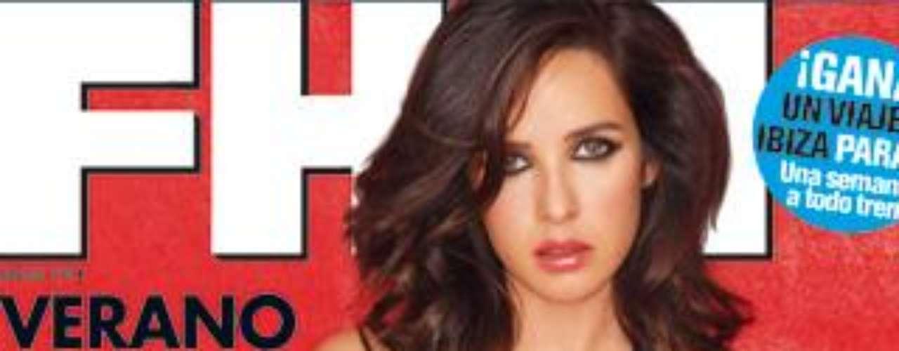 La sexy reportera Paula Prendes se desnunaba en julio para 'FHM'.