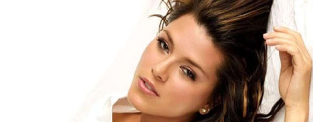 La ex Miss Universo recientemente fue vinculada con José Gerardo Álvarez Váquez, alias 'El Indio', un importante capo del cartel de los Beltrán Leyva. Testigos protegidos declararon que 'El Indio' es el padre de la hija de Alicia Machado, quien rápidamente desmintió la información.