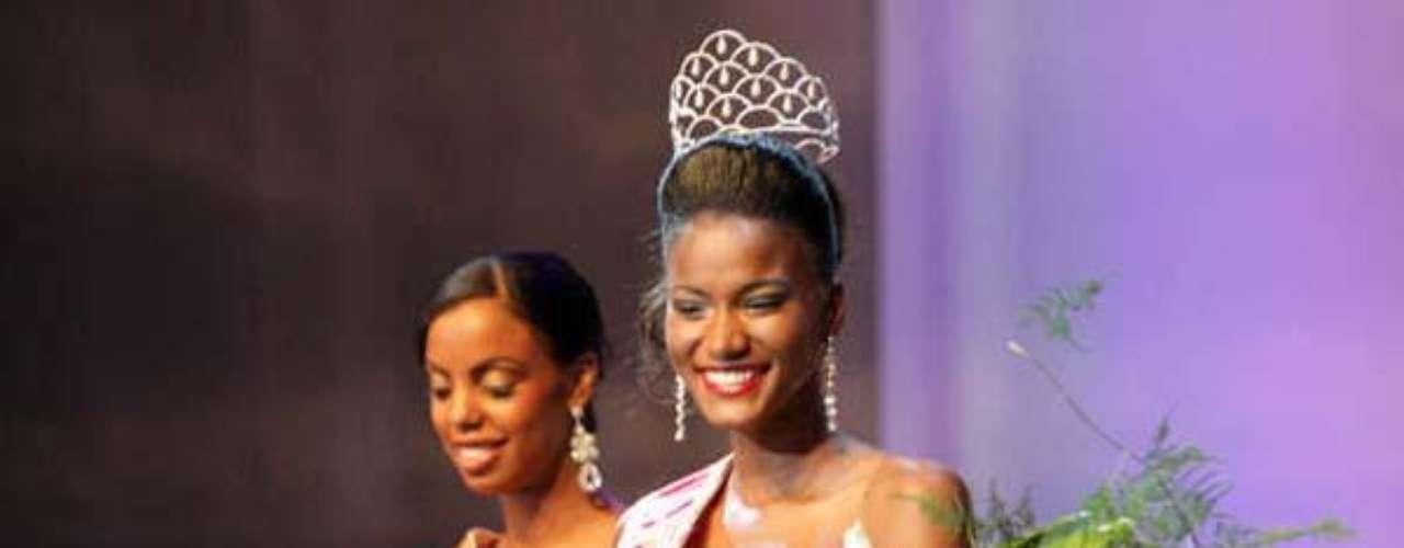 Se llama Leila Lopes, tiene 23 años de edad, mide 1.79 metros y nació en Benguela.