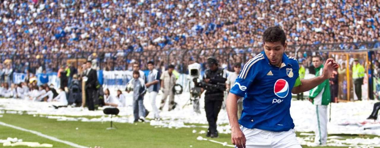 En abril del 2011, Millonarios recibió a Nacional en El Campín, por la fecha 13 del FPC. Dorlan Pabón puso en ventaja a los visitantes, con gol de penal al minuto 29.