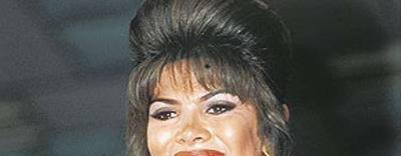El mayor escándalo en la historia del Reinado Nacional de Belleza. Para el año 1993, salió a la luz pública que Catherine Sánchez, señorita Amazonas, habría participado en el concurso teniendo dos meses de embarazo y estando casada. El hecho causó gran revuelo.