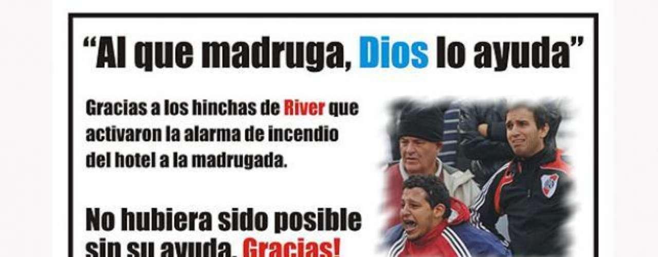 Los hinchas de Belgrano celebran el histórico ascenso a Primera y el descenso de River a la B Nacional. Sin embargo, los \