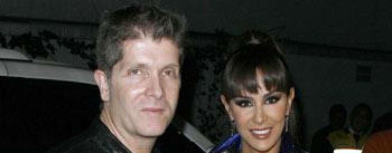 Matrimonio: Juan Zepeda y Ninel Conde.