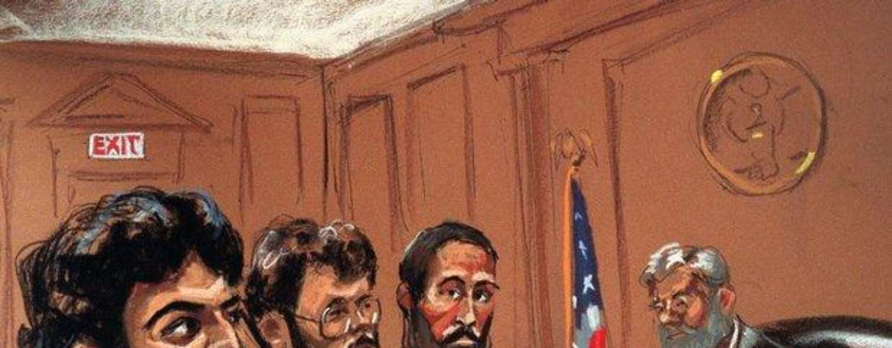 Mohamed Rashed Daoud Al-'Owhali, Un hombre saudí evitó la pena de muerte por su papel en los atentados de 1998 contra dos embajadas de EE.UU. en África, que dejó más de 200 personas sin vida. En lugar será sentenciada a cadena perpetua sin posibilidad de libertad condicional, después de que el jurado no pudo llegar a una decisión unánime sobre la sentencia.