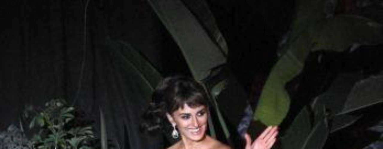 Penelope Cruz walks on stage before the premiere of Pirates of the Caribbean: On Stranger Tides at D