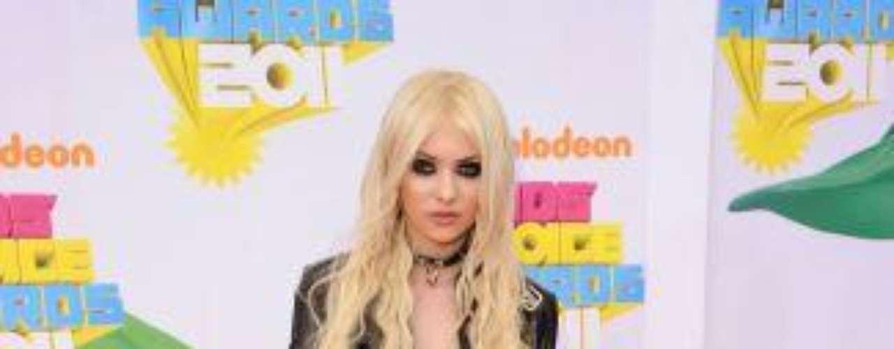 TAYLOR MOMSEN. Las nuevas estrellas de Hollywood han empezado a marcar una tendencia de estilo y a transmitir a través de sus \