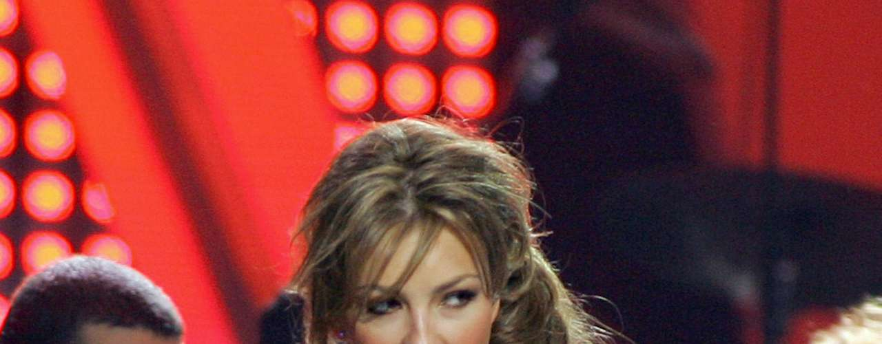 Thalia: 40 millones de copias vendidas.  La nueva generación del pop Latino trajo nombres como Shakira, Enrique Iglesias, Paulina Rubio y Juanes.  Con cifras que van desde los 20 millones de copias vendidas ¡Descubre hasta donde llega la cifra de los artistas más vendedores del momento!
