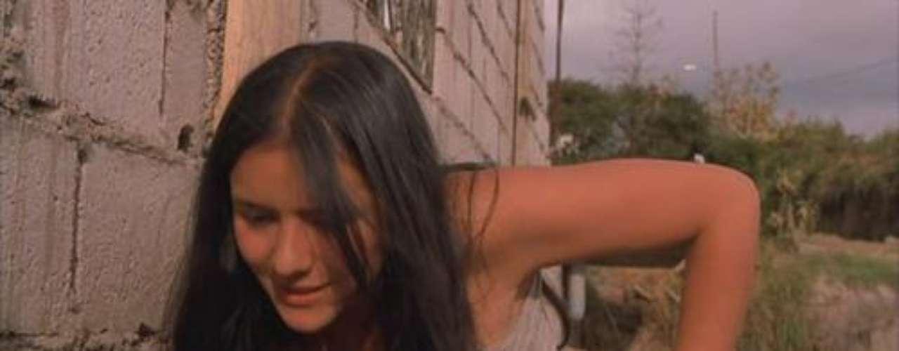 """""""María, llena eres de gracia"""". La historia gira en torno a María Álvarez, una colombiana de apenas 17 años que decide irse de mula. Al final tendrá que superar cientos de obstáculos para sobrevivir."""