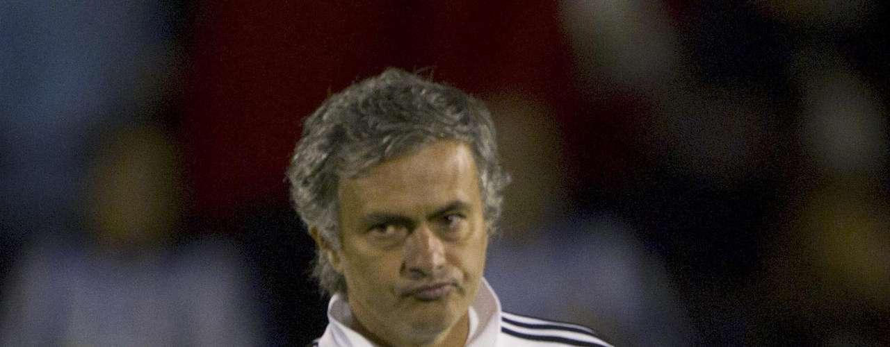 En su momento también se relacionó a Falcao con el club más poderoso del mundo, el Real Madrid. Según versiones españolas José Mourinho estuvo interesado en contratar el delantero cuando militaba en el Porto, e inclusive se habló de una facilidad en la negociación debido al pasado de Mou en el cuadro luso.