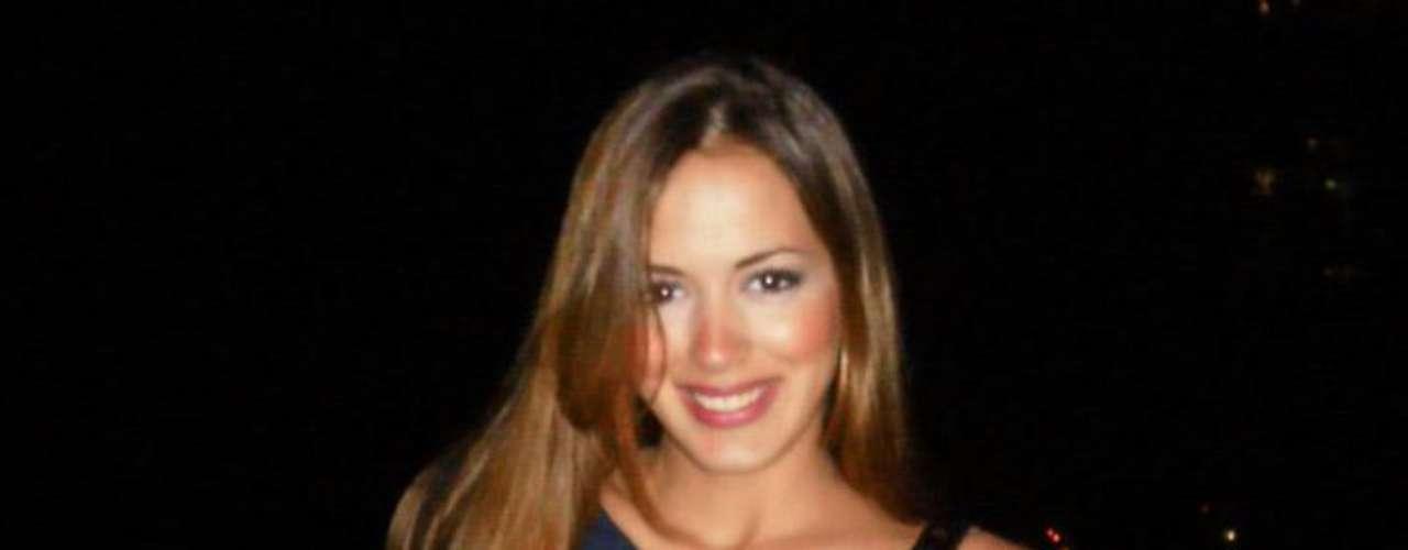Shannon de Lima, siempre lista y bella para salir en la foto.