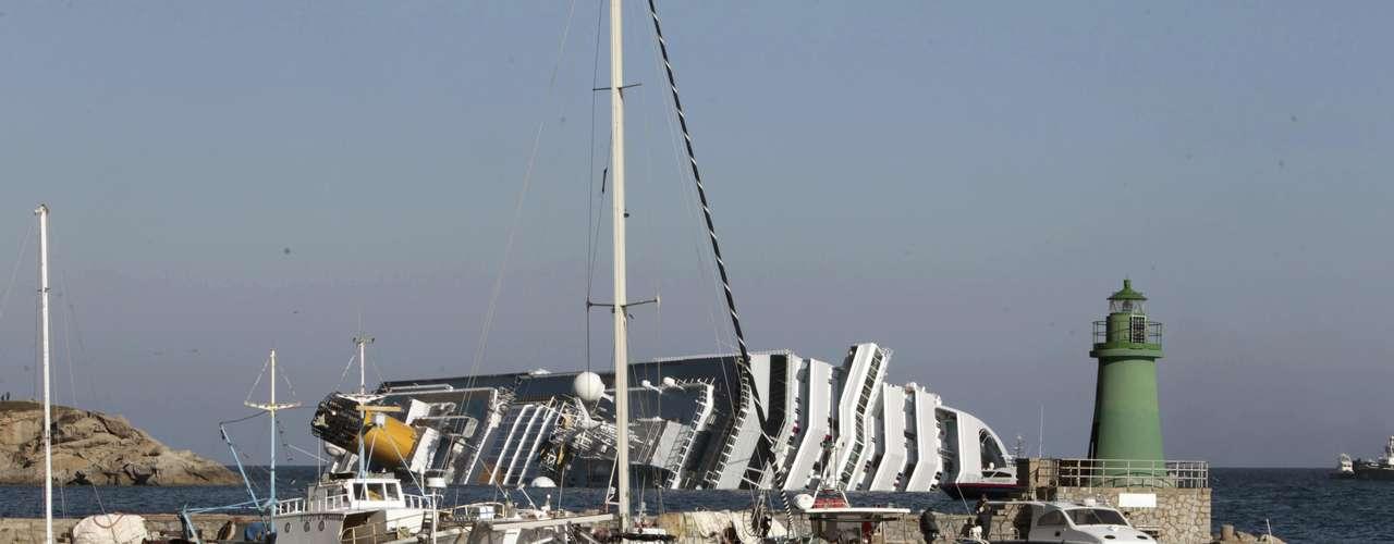 El Costa Concordia, de 114.500 toneladas de peso, pertenece a la flota de Costa Crociere, la más grande de Europa y de bandera italiana, con 15 barcos con una capacidad total de 41.000 pasajeros.