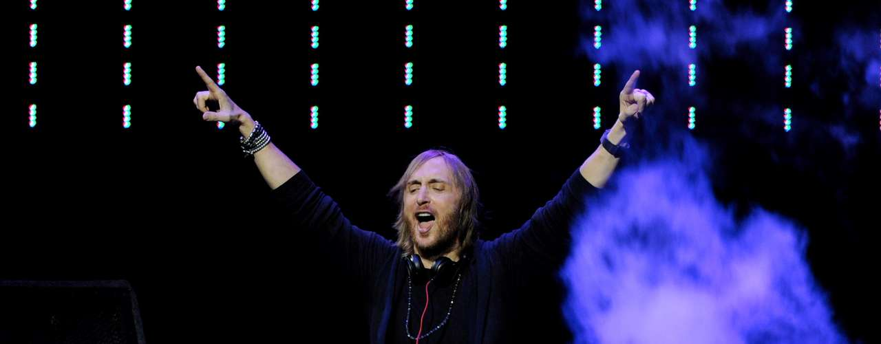 David Guetta - Sia / Titanium / Cazzete's Ant Seeking Hamster Mix.