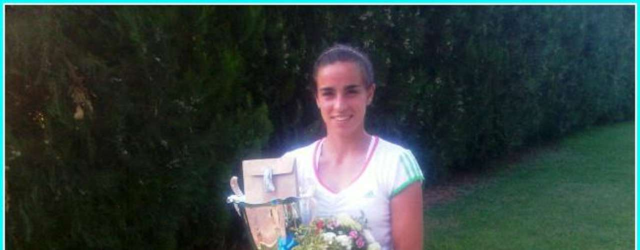 Paula Ormaechea nació el 28 de septiembre de 1992 en Sunchales, provincia de Santa Fe, y es la nueva promesa del tenis argentino. Entró al cuadro principal del Abierto de Australia y en la primera ronda eliminó a la rumana Simona Halep en tres sets. Hasta hoy, ocupa el puesto 189 del ranking de la WTA y, para muchos, es la sucesora de Gisela Dulko