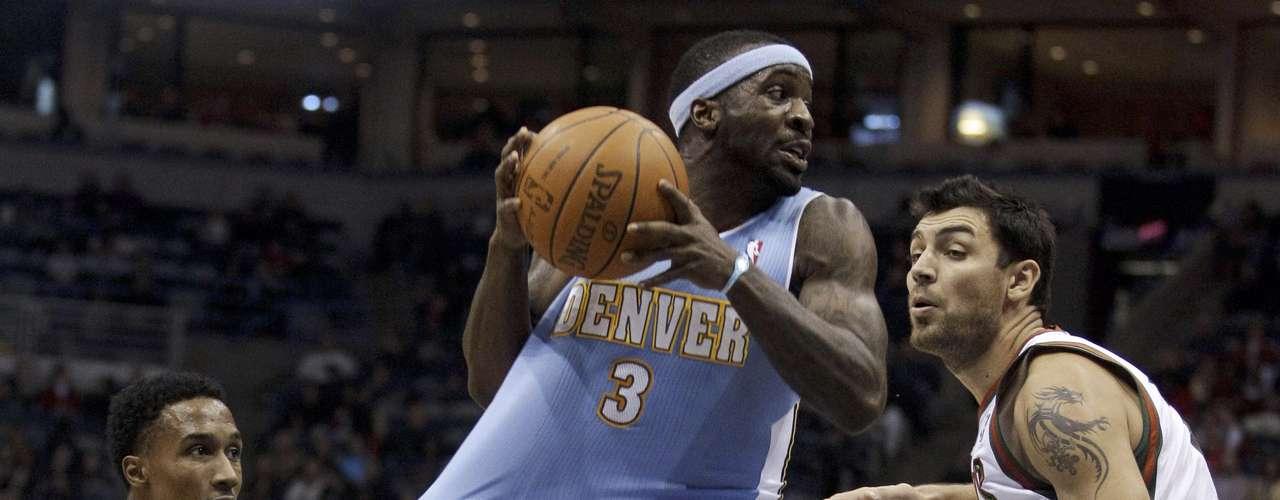 Los Nuggets de Denver vence de visita 105-95 a los Bucks