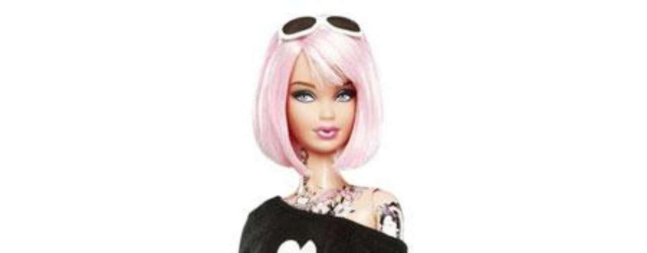 En el 2011, Mattel lanzó Tokidoki, una barbie con pelo rosa y tatuajes. Otra vez, algunos padres se quejaron diciendo que no era un modelo a seguir para las niñas. Mattel dijo que la muñeca había sido creada para los coleccionistas.