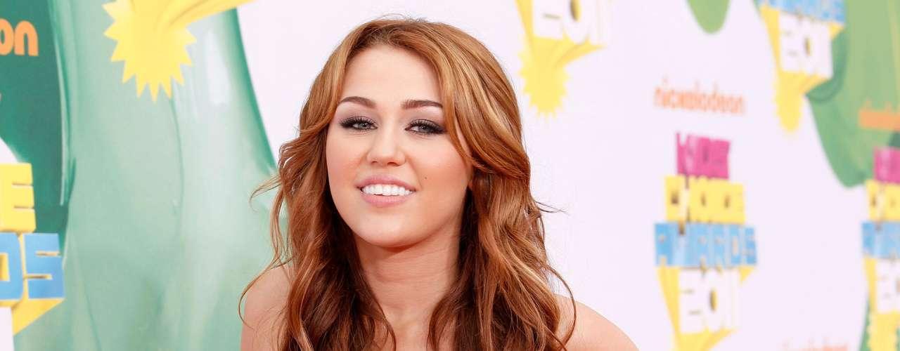 Pese a que la película 'The Last Song' tuvo pésimas críticas, incluída la actuación  de Miley, comercialmente la cinta fue todo un éxito.
