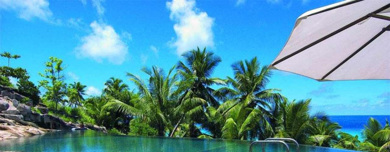 Fregate Island Private. Es una isla paradisiaca en el archipiélago de las Seychelles, en mitad del océano Índico, con 3 kilómetros cuadrados de extensión con 16 villas de lujo.