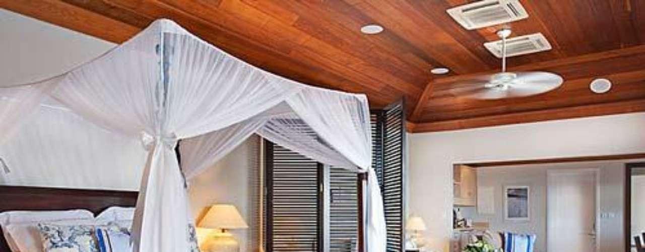 Hotel Le Toiny. Se localiza en San Bartolomé, en las Antillas francesas. Es un parque de 17 hectáreas con 15 villas-suites repartidas.
