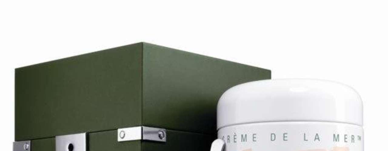 La Mer. Es una marca de cosméticos a disposición del público en su conjunto y es propiedad de Estée Lauder y por una empresa de cosméticos alemana.