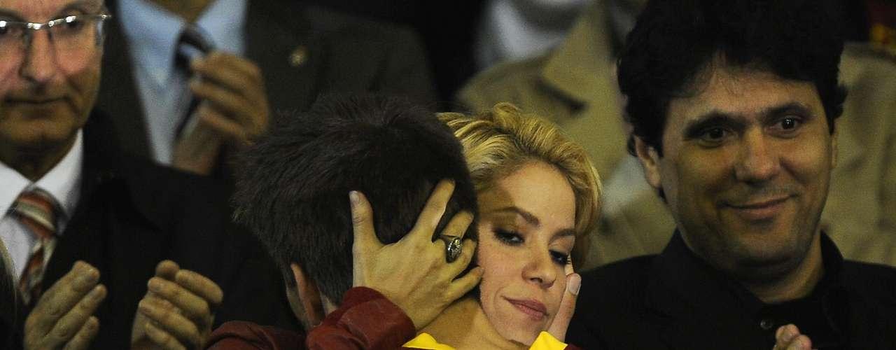 Durante todo el 2011 se le vio a Shakira acompañando a su novio a sus juegos de fútbol, estando con él en el partido más importante de su carrera, la final de la Champions League.
