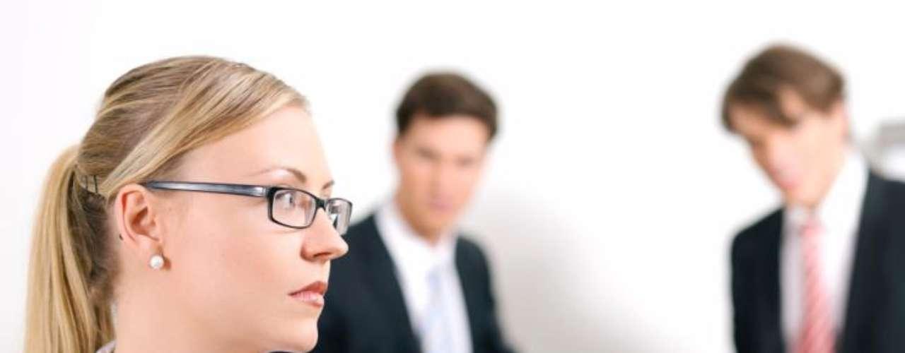 En este sentido los trabajadores que hablan de represalias en su lugar de trabajo, son el 64%, quienes reportan haber sido excluidos de las decisiones y actividades de trabajo realizadas por sus superiores.
