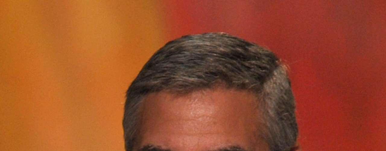 """La revista """"Heat"""" fue la encargada de consultar a sus lectores, modelos, fotógrafos y periodistas para develar quiénes son los más lindos del mundo.  Los requisitos que debían cumplir los elegidos era destacarse por su sex appeal, por su buen gusto al momento de vestirse y, lo más importante, por tener una gran personalidad. Y los ganadores son… 11 George Clooney."""