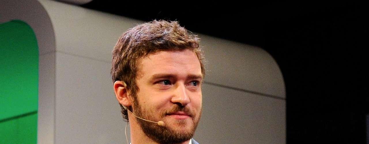 """La revista """"Heat"""" fue la encargada de consultar a sus lectores, modelos, fotógrafos y periodistas para develar quiénes son los más lindos del mundo.  Los requisitos que debían cumplir los elegidos era destacarse por su sex appeal, por su buen gusto al momento de vestirse y, lo más importante, por tener una gran personalidad. Y los ganadores son… 21 Justin Timberlake."""