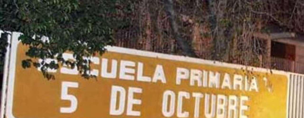 La Escuela Primaria 5 de Octubre, ubicada en la Colonia Valles del Mirador, fue cerrada a las 18:00 horas y el menor fue rescatado hasta las 23:40 horas, tras una intensa búsqueda de las corporaciones policiales del Estado.