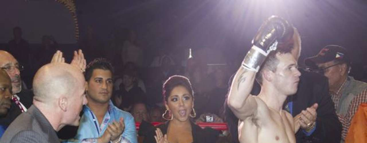 Snooki Boxing Team Packs A Punch.