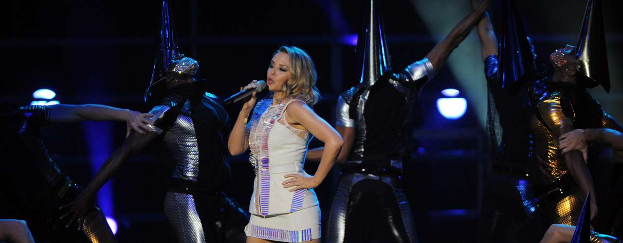 Kylie Minogue una reina que apenas alcanza los 1,52 m.