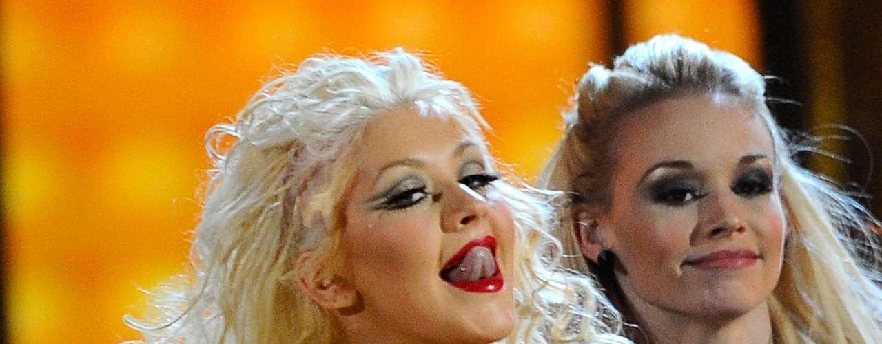 Así lucía en el 2010.  La cantante Christina Aguilera ha sufrido una impresionante transformación a través de los años, en el que no sólo el rastro del tiempo ha dejado huella, sino también un cambio de imagen en su figura y forma de vestir.
