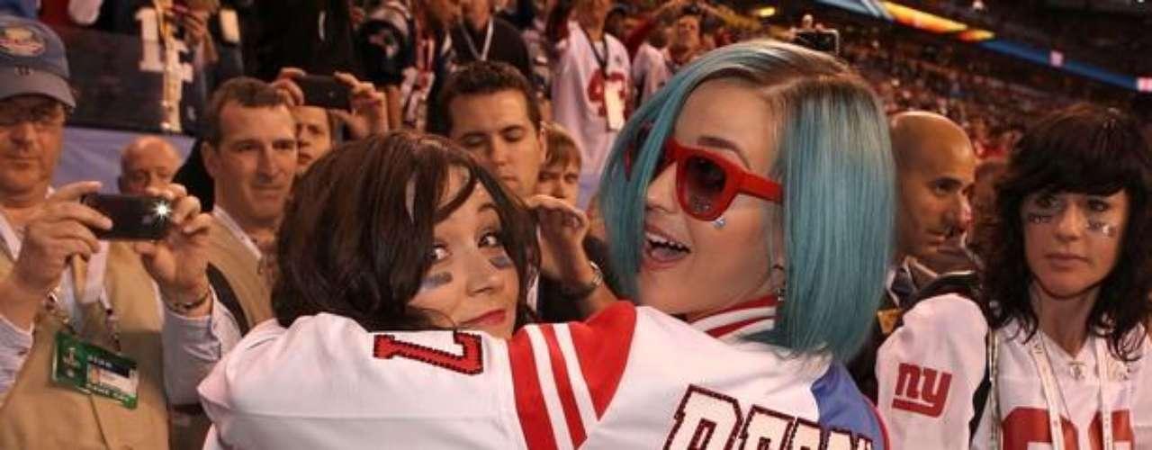 Katy Perry fue una de las celebridades que asistieron al evento, claramente se nota a quién apoyaba
