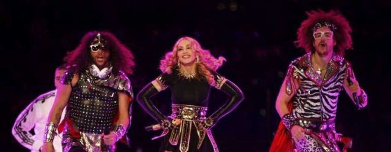 Madonna tuvo un show de medio tiempo impecable. Los aplausos se oyeron en el Lucas Oil Stadium de Indianápolis.
