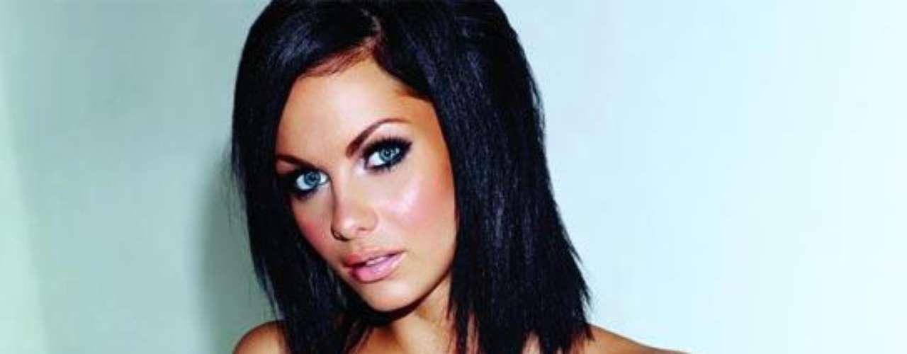 Jessica Jane Clement, modelo, actriz y presentadora de la TV en Inglaterra, destaca en el puesto 14 de la lista de zoo.co.uk.