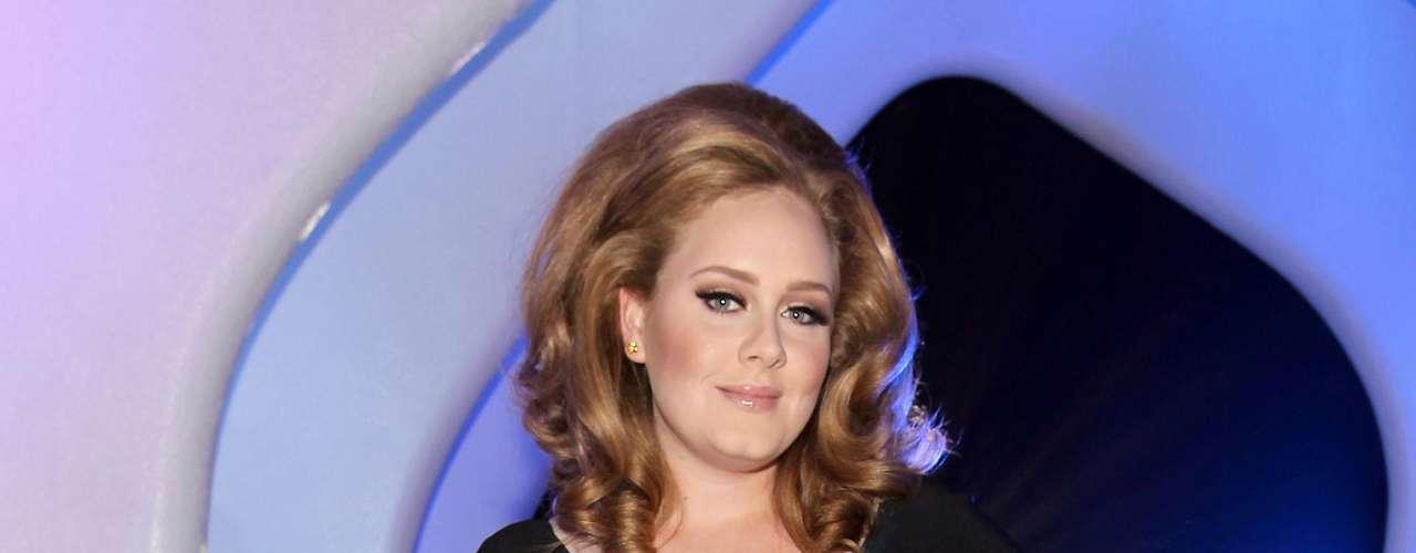Adele confiesa también que se gusta tal y como es.