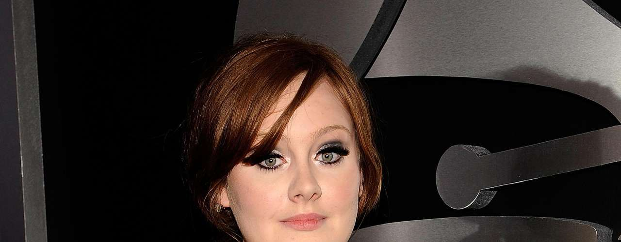 Adele actuará por primera vez en los premios Grammy este domingo desde que se operó de las cuerdas vocales.
