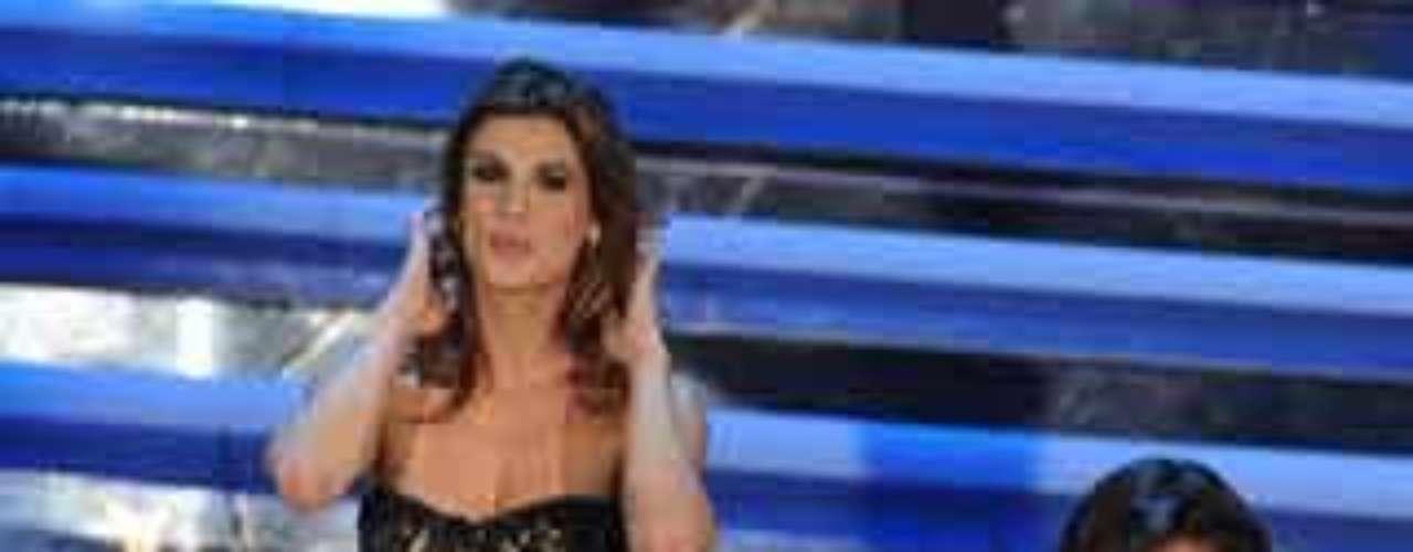 La presentadora argentina Belén Rodríguez en el Festival de la Canción de San Remo, sin ropa interior y luciendo tatuaje
