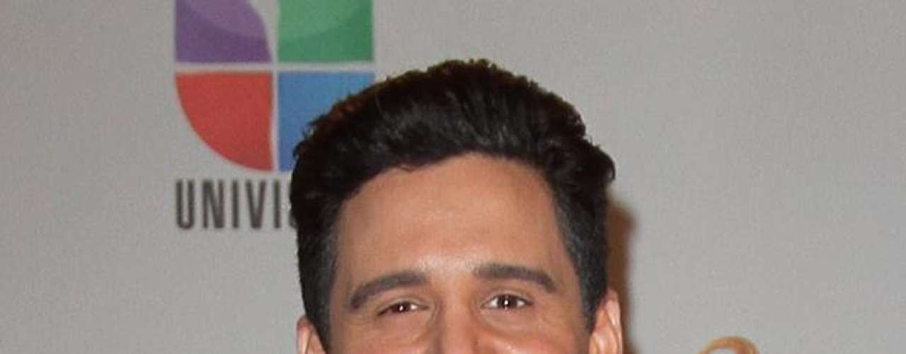 Alejandro Chaban flashed those pearly whites with confidence.