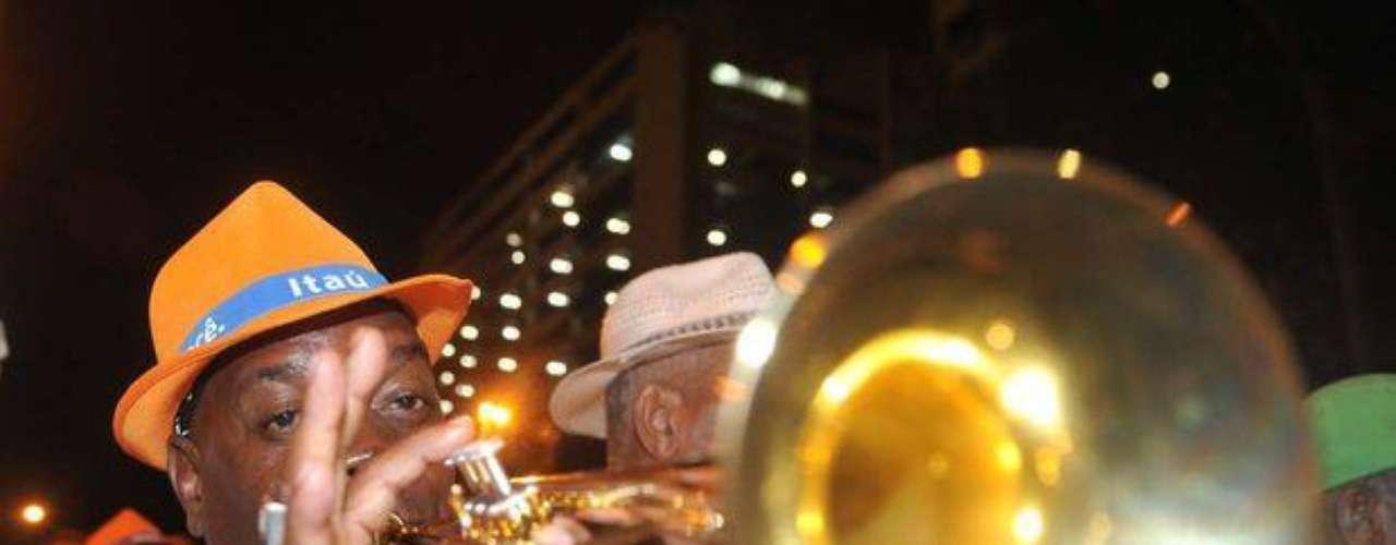 Las bandas sonaron al ritmo dle samba y sumaron alegría al carnaval de Rio