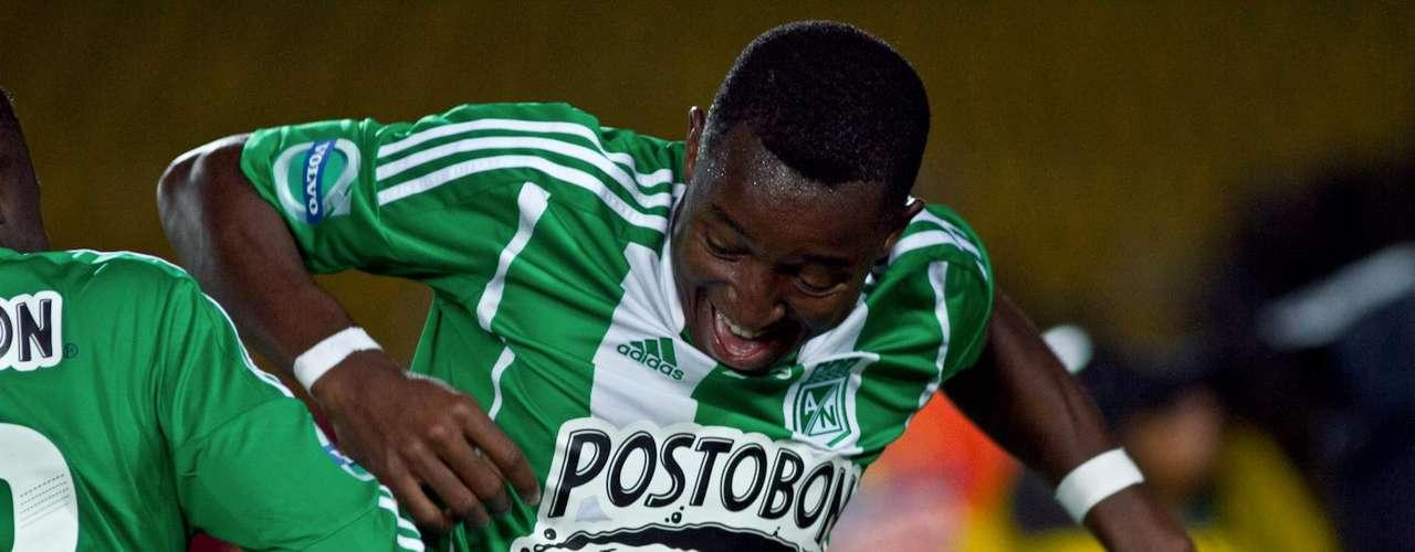 Nacional se fue arriba en el marcador rápidamente y en menos de 25 minutos ya ganaba 2-0 con goles de Óscar Murillo.