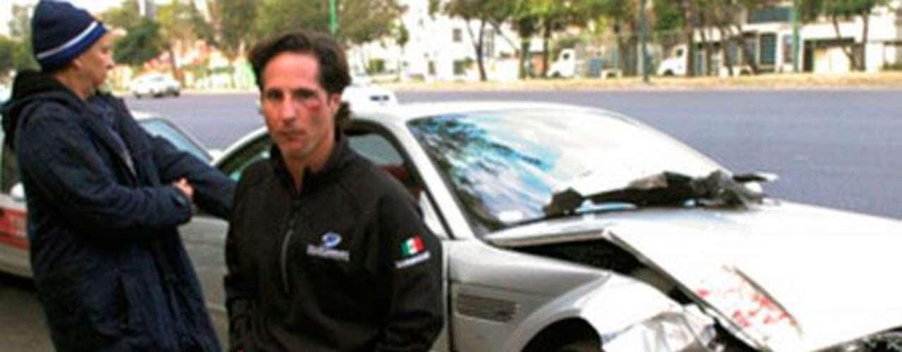 El piloto mexicano de Indy Car, Mario Dominguez, protagonizó un accidente en noviembre de 2008 donde en estado de embriaguéz estrelló su vehículo. Dominguez trató de huir del lugar del siniestro pero no lo logró tras el arribo de la policía