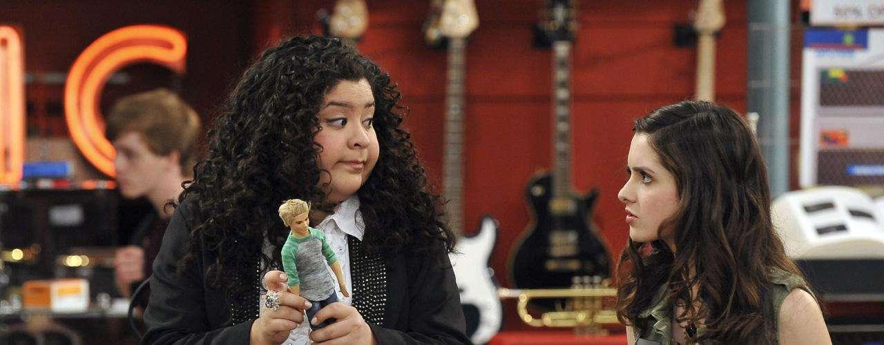 Trish, interpretada por Raini Rodríguez es la mejor amiga de la tímida Ally, una compositora talentosa pero con miedo a aparecer en escena.