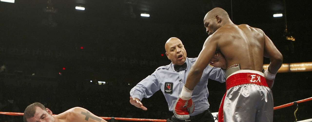 Joe Calzaghe, víctima del eterno Bernard Hopkins.