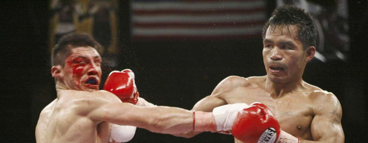 David Díaz muestra los estragos de subirse al ring contra Manny Pacquiao.