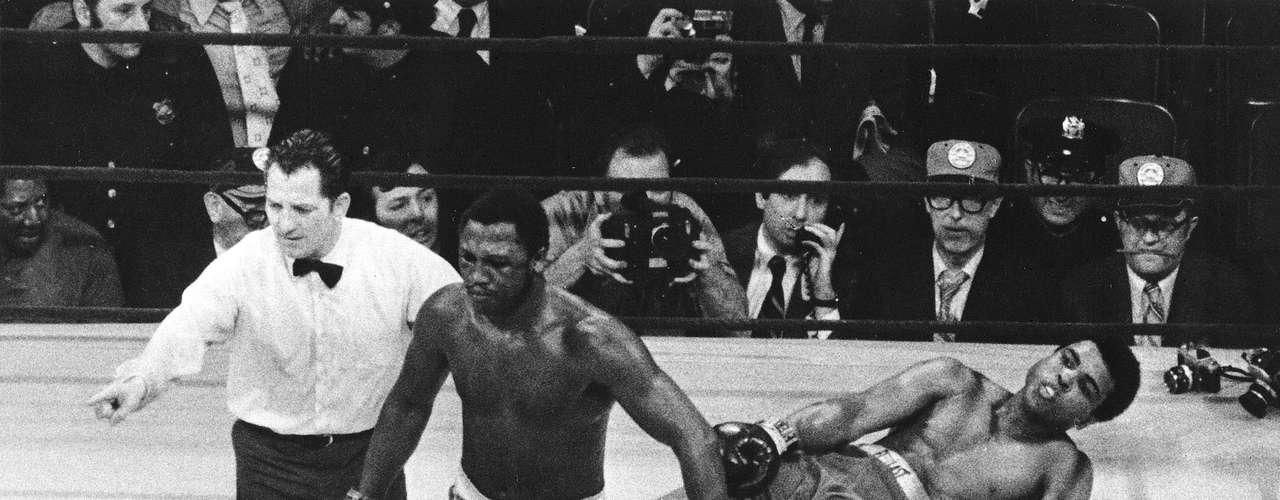 Historia pura: Joe Frazier noquea en el round 15 nada más y nada menos que a Muhammed Alí  en el Madison Square Garden