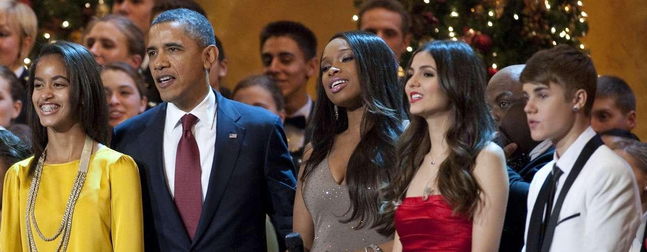 13 - Cantando en la Casa Blanca. Justin Bieber dió un show para el presidente Barack Obama y su familia en el marco del evento \