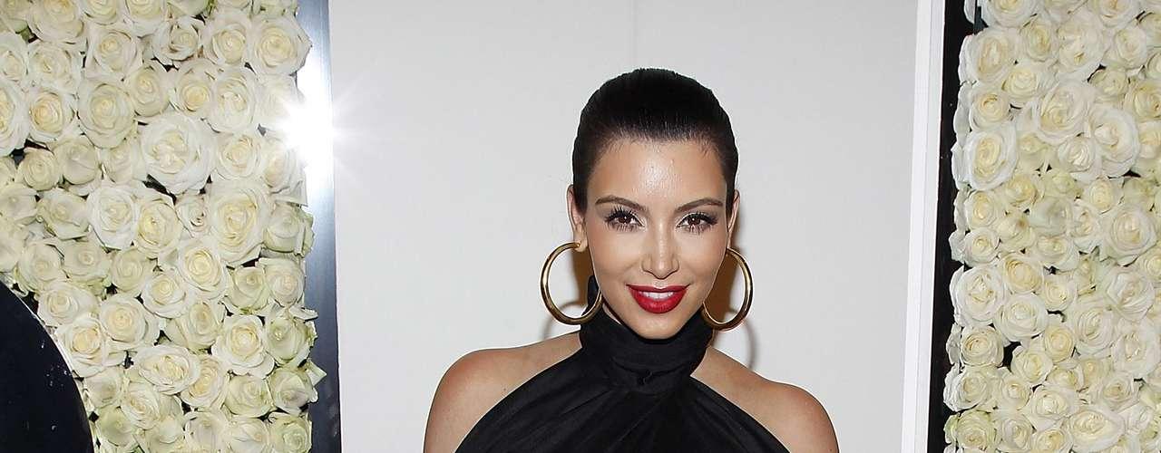 Kim Kardashian: Kardashian es sin duda la pareja mas conocida de Bush. Los dos estuvieron juntos del 2007 al 2010. Hasta llegaron a comprometerse y Bush apareció en algunas ocasiones en el reality show de Kim Kardashian.