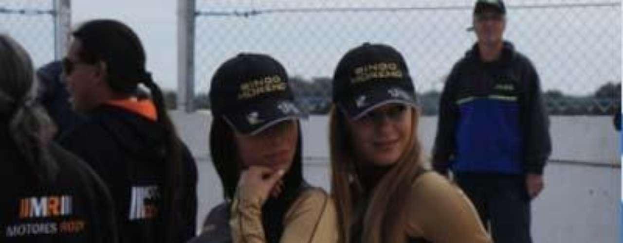 Fotos Chicas deChevrolet y Dodge en el TC 2012