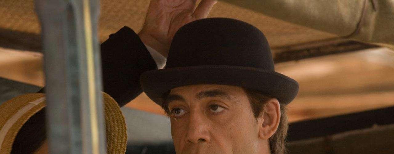 'El Amor en los Tiempos del Cólera' fue protagonizada por el español Javier Bardem como 'Florentino Ariza' y la italiana Giovanna Mezzogiorno como 'Fermina Urbino'. Shakira colaboró en la banda sonora de la cinta.