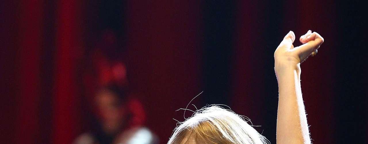 Taylor Swift. La estrella de la música country fue la artista más joven en recibir el reconocimiento de la \